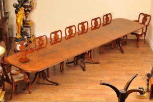 16ft noce Regency piedistallo Sedie tavolo da pranzo 18