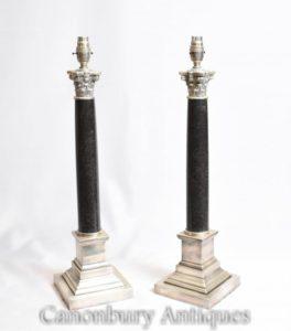 Coppia lampade da tavolo Corinthian Reggenza Luci targa d'argento