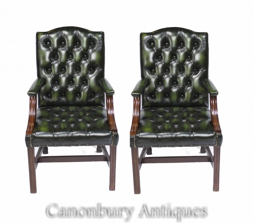 Coppia di poltrone Gainsborough - Seduta da scrivania in pelle con bottoni profondi